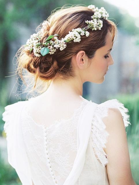 【ヘアアレンジ】花嫁さんにぴったり!結婚式におすすめの花冠アレンジをご紹介♡ Marry Jocee